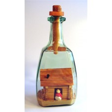 589 - Lady of the Cabin in bottle